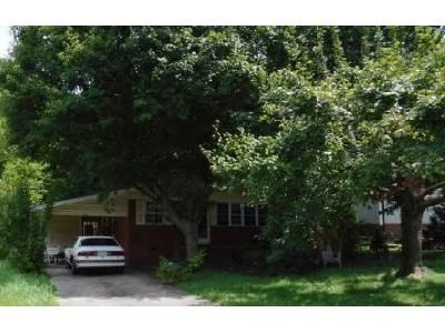 3 Bed 1 Bath Foreclosure Property in Asheboro, NC 27203 - Macon St