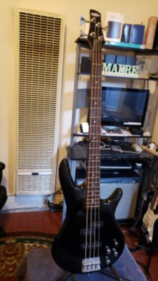 IBANEZ GIO SOUNDGEAR GUITAR BASS GSR200 MADE IN INDONESIA