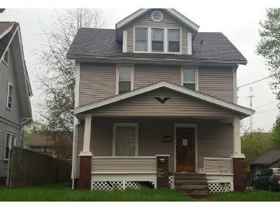 3 Bed 1.5 Bath Foreclosure Property in Canton, OH 44714 - Plain Ave NE