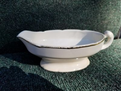 Made in the USA Vintage Homer Laughlin Best China Gravy Boat