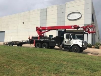 Sign crane for sale Elliott G85R mounted on 20017 International 7400 Chassis
