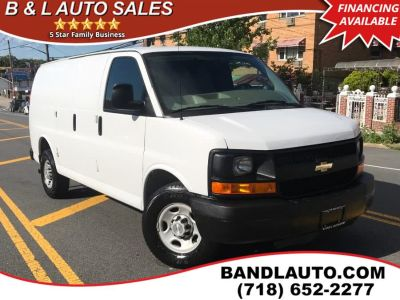 2014 Chevrolet Express 2500 2500 (Summit White)
