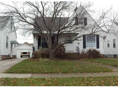 3 Bed 1.0 Bath Preforeclosure Property in Cleveland, OH 44129 - Luelda Ave
