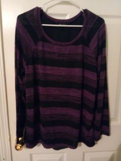 Very cute tops size large AB Studio brand good condition