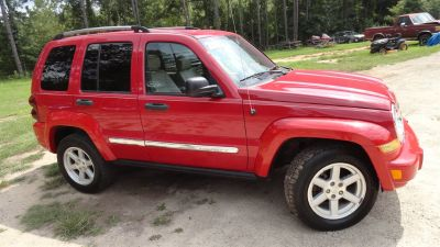 2005 Jeep Liberty Limited (Red)