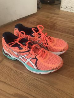 Women s ASICS running shoes.... excellent size 8.5.... $25