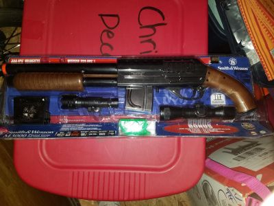 Smith & Wesson AIR SOFT rifle w/ scope GREAT GIFT