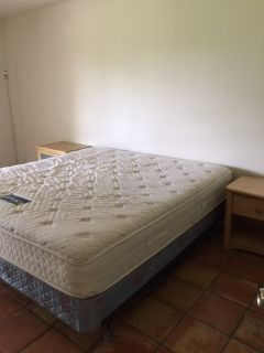 Extra large room for rent - Wifi-TV, Utilities included