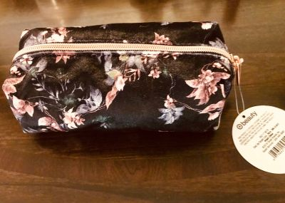 New with tag cosmetic bag