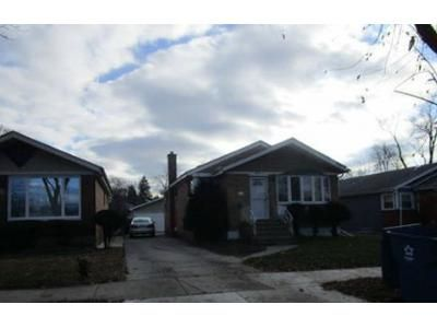 3 Bed 1 Bath Preforeclosure Property in Chicago Heights, IL 60411 - W 14th Pl