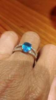 SIZE 8 RING ABSOLUTELY BEAUTIFUL BOUGHT TOO BIG MARKED 925 SILVER