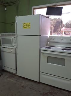 Fridge, Stove, Microwave & Dishwasher Package Deal