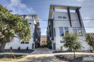 $3850 3 single-family home in Inner Loop