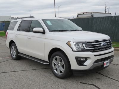 2019 Ford Expedition XLT (platinum)