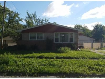1.5 Bath Preforeclosure Property in Chicago Heights, IL 60411 - Kathleen Ln