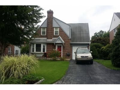 3 Bed 1 Bath Preforeclosure Property in Havertown, PA 19083 - Oxford Hill Ln