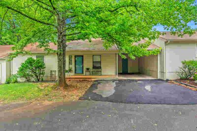 8500 Olde Colony Tr #Apartment 6 Knoxville Three BR, Great Price in a