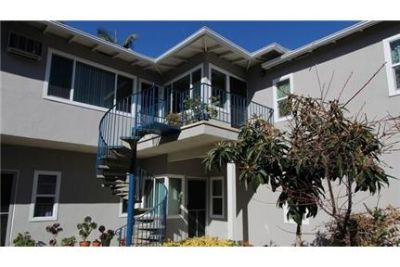 CHARMING VERDUGO WOODLANDS 1 BEDROOM APARTMENT!