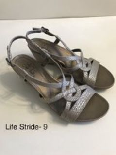 Life Stride Wedge Sandals Size 9