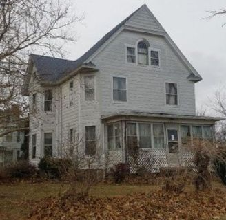 Single Family Victorian Home $29,900 Unlimited Potential and Possibilities!