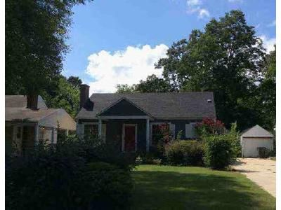 2 Bed 1 Bath Foreclosure Property in Decatur, AL 35601 - 9th Ave SE