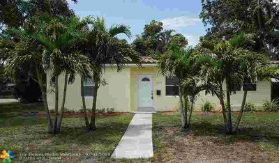2017 SW 10th Av Fort Lauderdale Three BR, Open kitchen