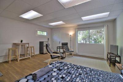 $2520 studio in Menlo Park