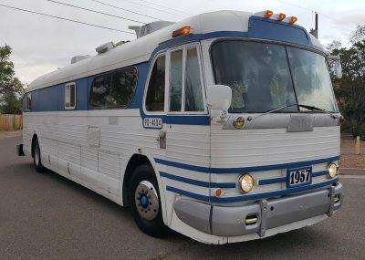 1957 GMC Bus PD4104