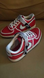 NIKE YOUTH SIZE RED