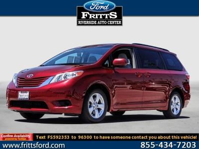 2015 Toyota Sienna LE 8-Passenger (Salsa Red Pearl)