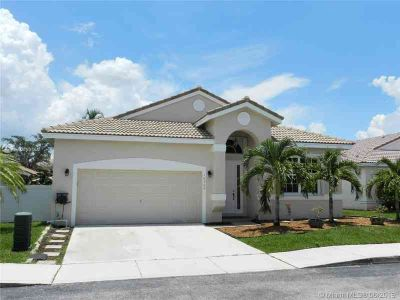 16388 NW 23rd St PEMBROKE PINES Three BR, This is the one! Warm!