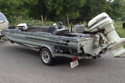 17 Bass boat w 110 Johnson