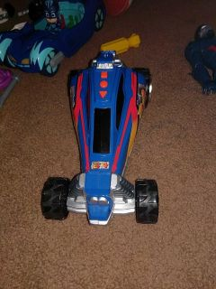 Dune buggy that moves back and front and makes sound