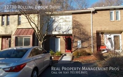 3 Level Townhome w/ over 2,000 SF