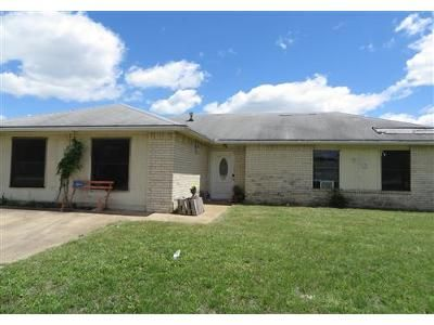 3 Bed 2 Bath Foreclosure Property in Duncanville, TX 75116 - N Cedar Ridge Dr