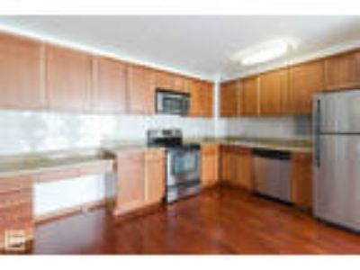 LAKEVIEW: Wood Flooring, Electric Included, Upgraded Kitchen + Bath