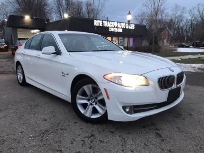 2012 BMW 5 Series 528i xDrive AWD 4dr Sedan