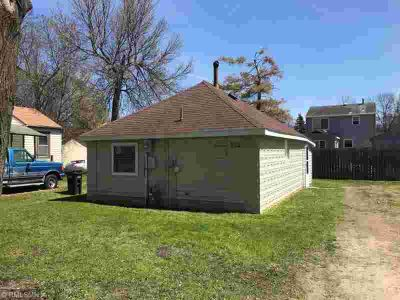 513 5th Street SE WILLMAR, Super affordable One BR home.