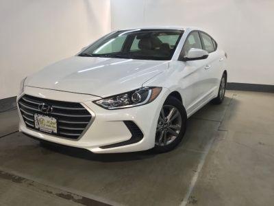 2017 Hyundai Elantra SE 2.0L Auto PZEV (Alabama) *L (Quartz White Pearl)