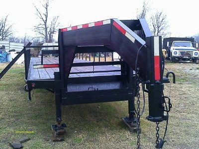 $10,500, 40 ft trailmaster straight deck trailer