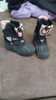 Size 7c totes winter boots
