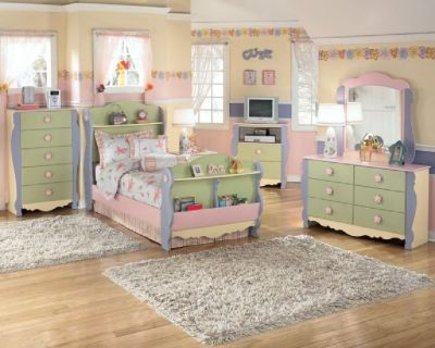 Girls Ashley Furniture bedroom suit