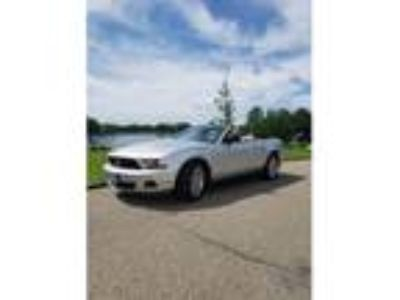 2010 Ford Mustang 2dr Convertible for Sale by Owner