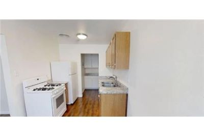 Country Cottage - Lovely 1BR/1BA in a 14 unit complex.