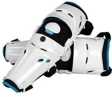 Sell 5 Pivot Knee Guard Fly Racing White KNEE GUARD WHT motorcycle in Hinckley, Ohio, United States, for US $84.88