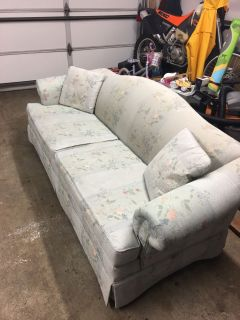 Free couch need gone ASAP!!