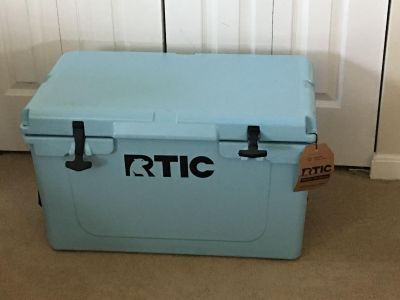 RTIC Cooler NWT