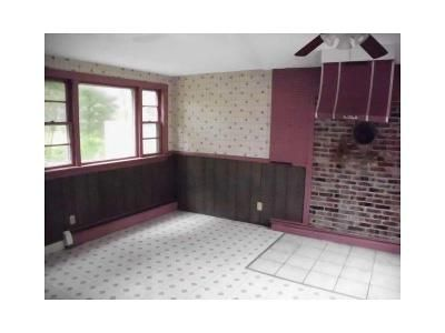 5 Bed 3 Bath Foreclosure Property in Cotuit, MA 02635 - Santuit Newtown Rd