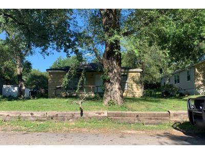 2 Bed 1.0 Bath Preforeclosure Property in Independence, MO 64052 - S Cedar Ave