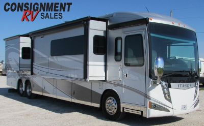 2016 Winnebago Ellipse 42QD
